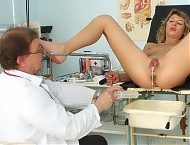Vanesa hole observation with gyn mirror and other gyno tools
